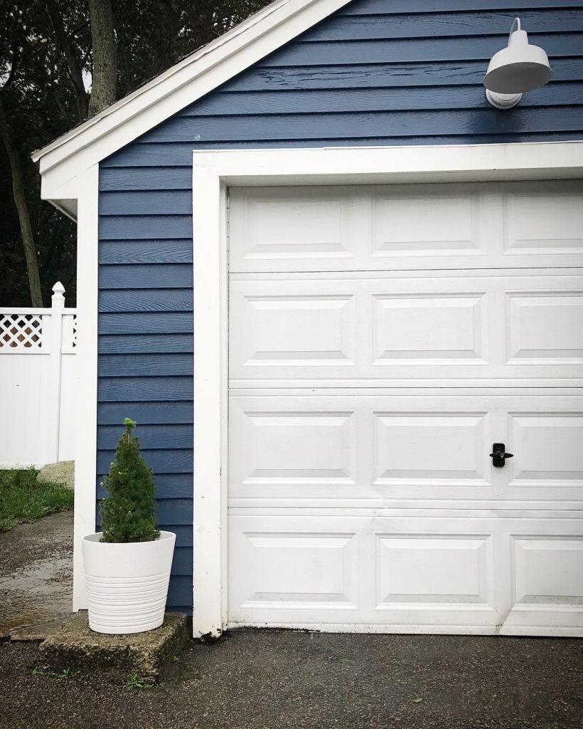 Benjamin Moore Van Deusen Blue Paint Color House Exterior 1 820x1024