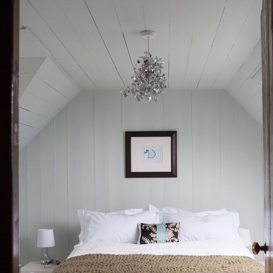 Farrow & Ball Cabbage White Paint Color Schemes bedroom walls and ceiling