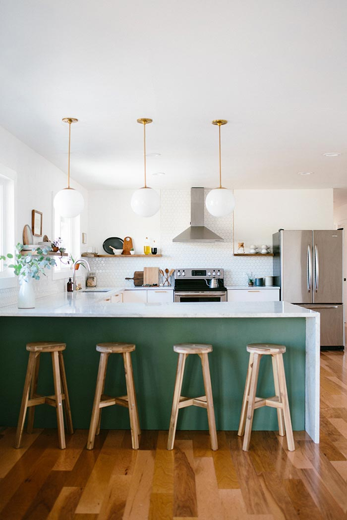Benjamin Moore Cushing Green Kitchen, Green and white paint color scheme for the kitchen