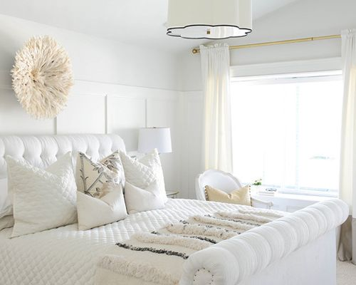 Benjamin Moore Simply White Walls Bedroom. White color scheme in the bedroom. Bedroom decor with an all white layered palette.