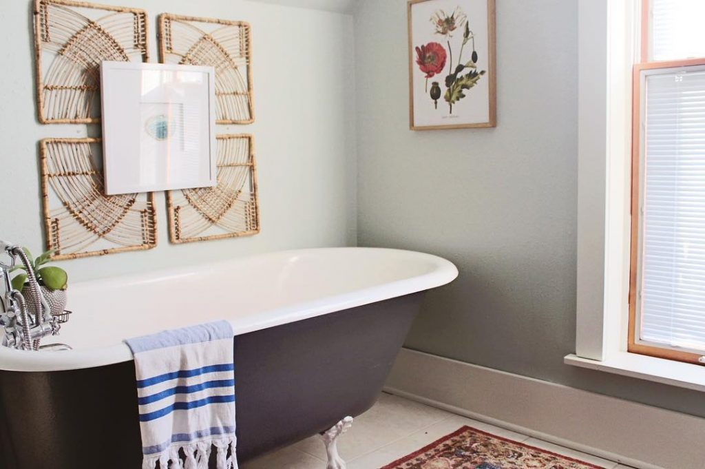 Sherwin Williams Sea Salt bathroom