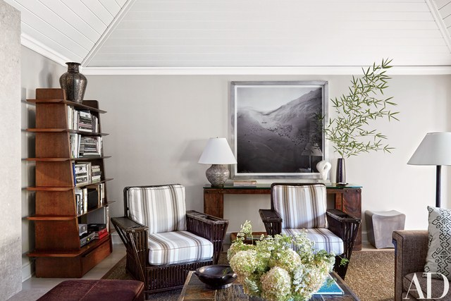 Benjamin Moore Fog Mist. Gray Painted Living Room Walls