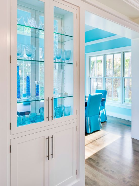 Benjamin Moore Jamaican Aqua - Aqua and white dining room color scheme