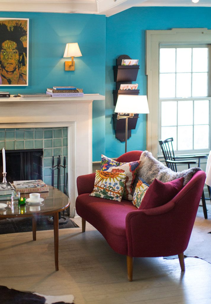 Turquoise Walls Painted in Benjamin Moore's Wilmington Spruce