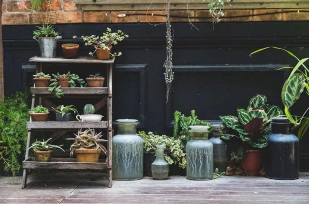 Small patio ideas pots