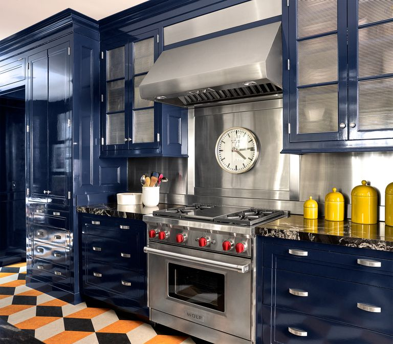 Lacquered blue kitchen cabinets interior design 2020. Benjamin Moore's Deep Royal
