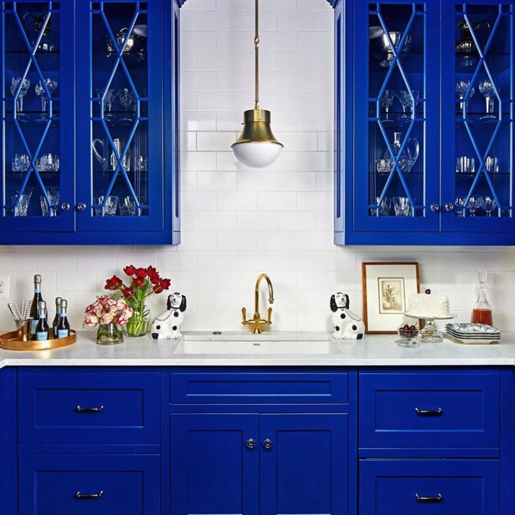 Kitchen cabinets in Pantone Classic Blue Color of the year 2020