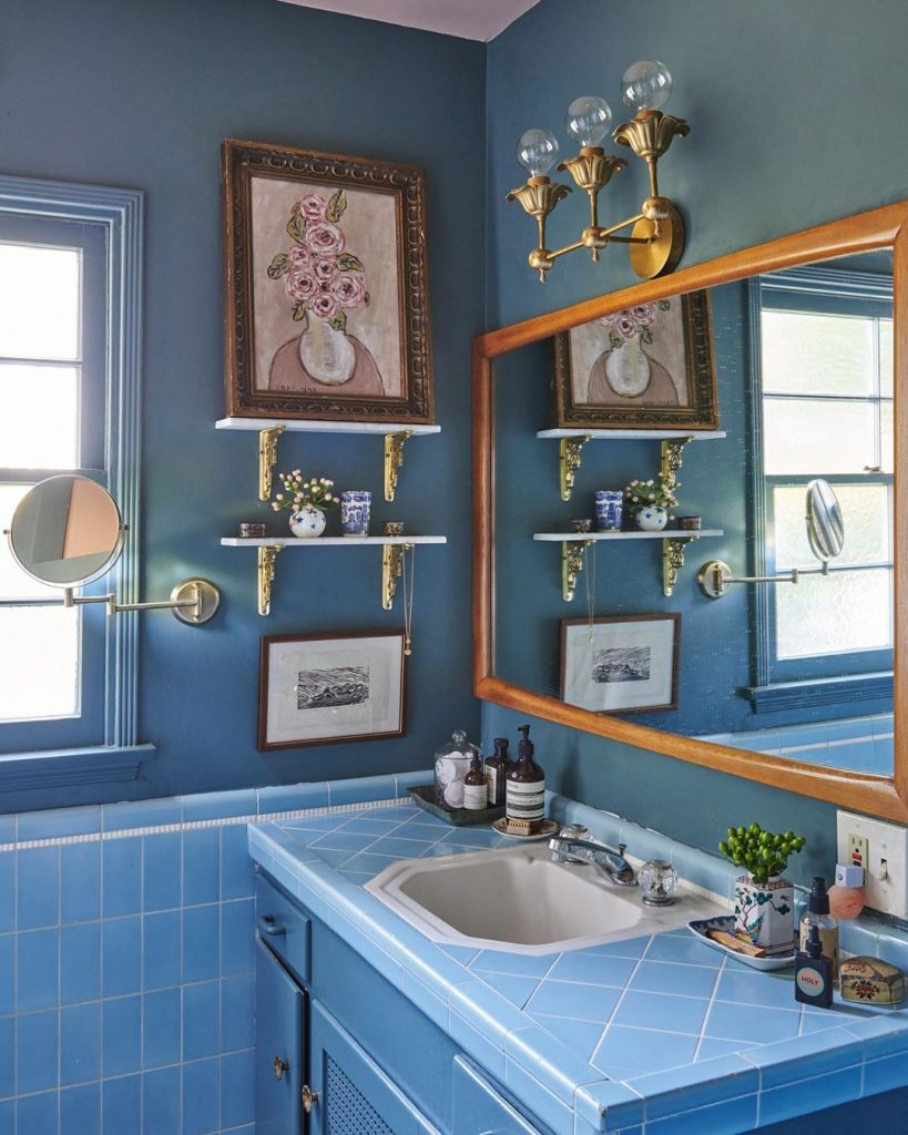 Farrow & Ball Inchyra Blue bathroom