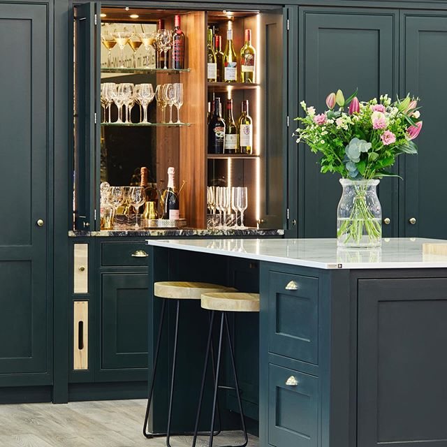 Farrow & Ball Studio Green Traditional Kitchen