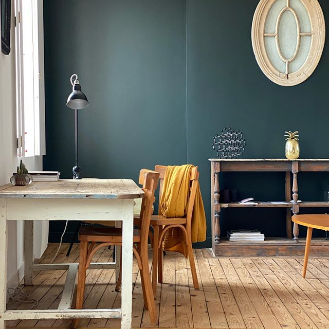 Farrow & Ball Studio Green painted feature wall