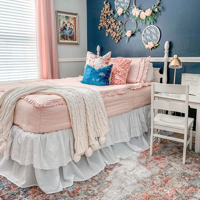 Girl's room Behr Winter Way Paint