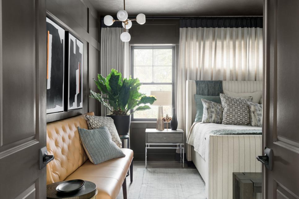 Glamorous dark bedroom design 2020
