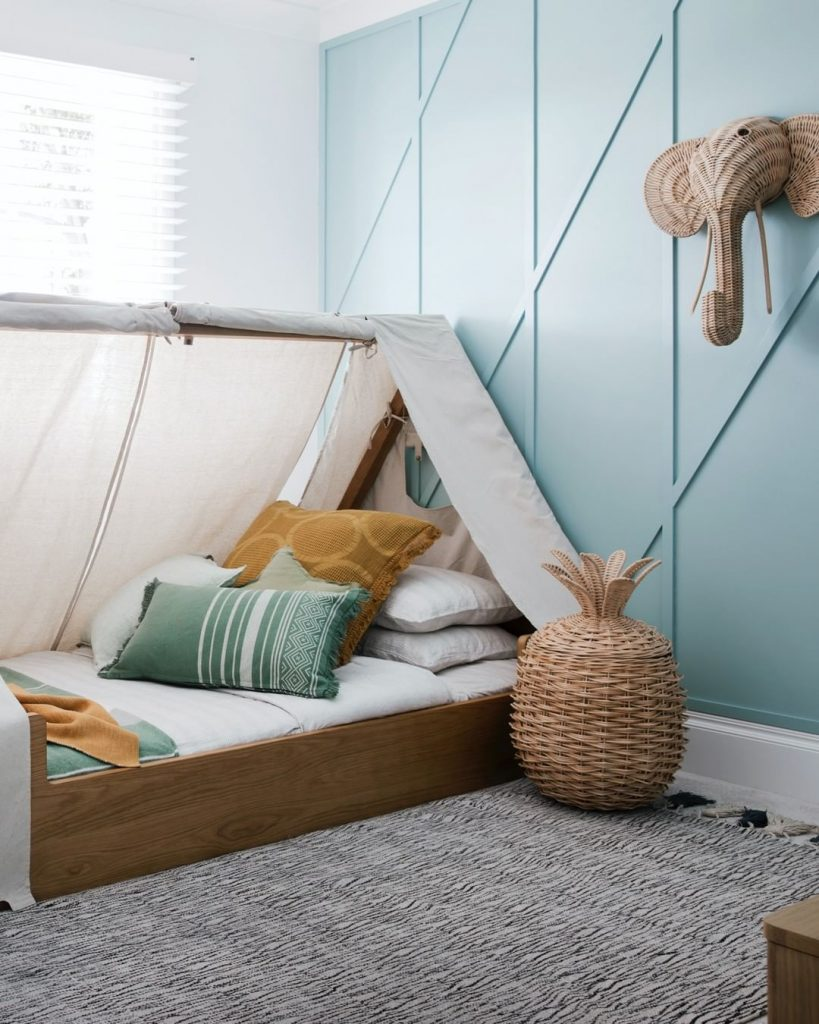 Kid's bedroom walls painted in Dulux Cool light blue
