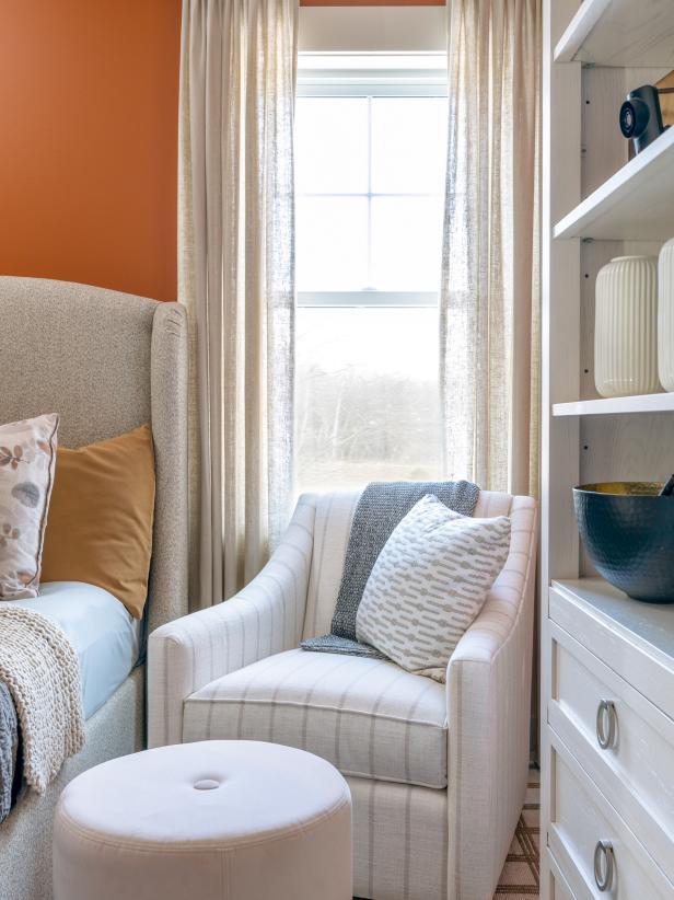 Neutrals and orange decor kids bedroom