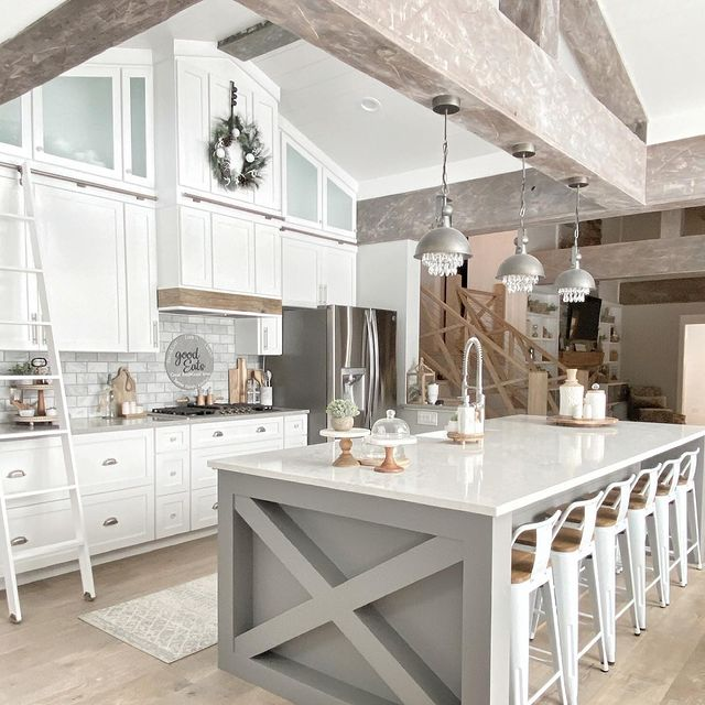 Modern Farmhouse Kitchen Chic