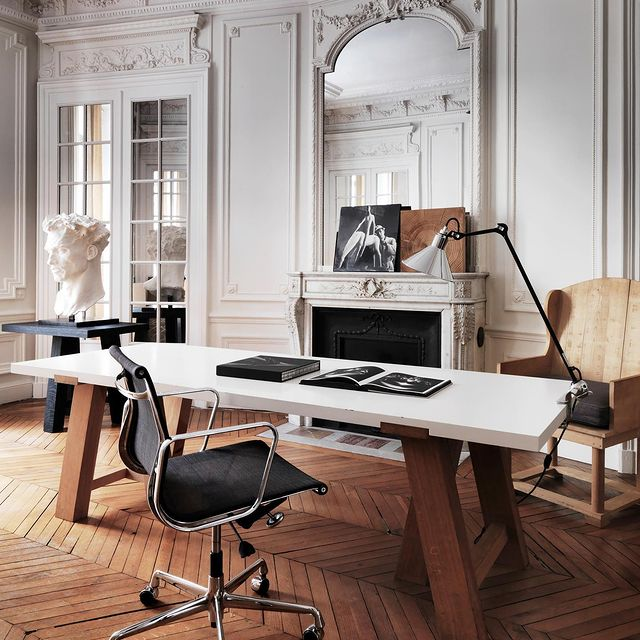 Haussmannian mouldings and chevron floors home office