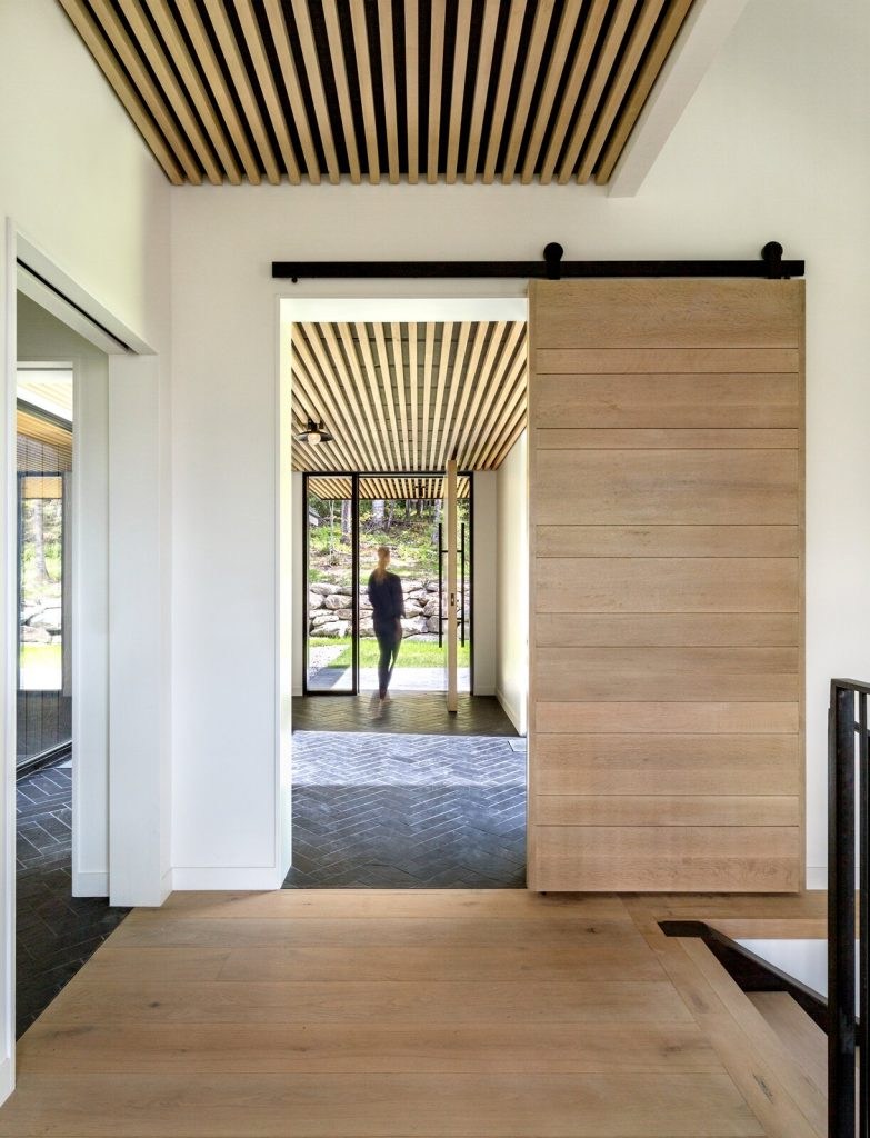 Modern farmhouse entrance idea