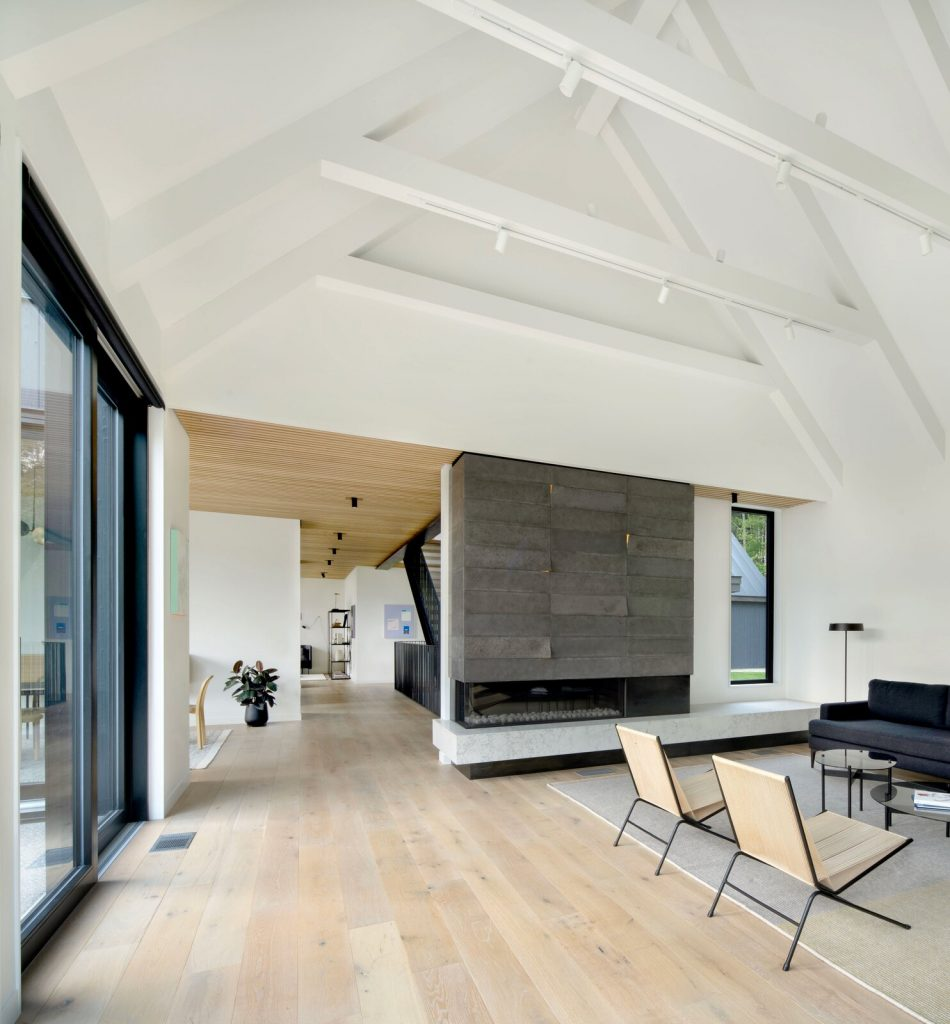 Modern farmhouse living room fireplace