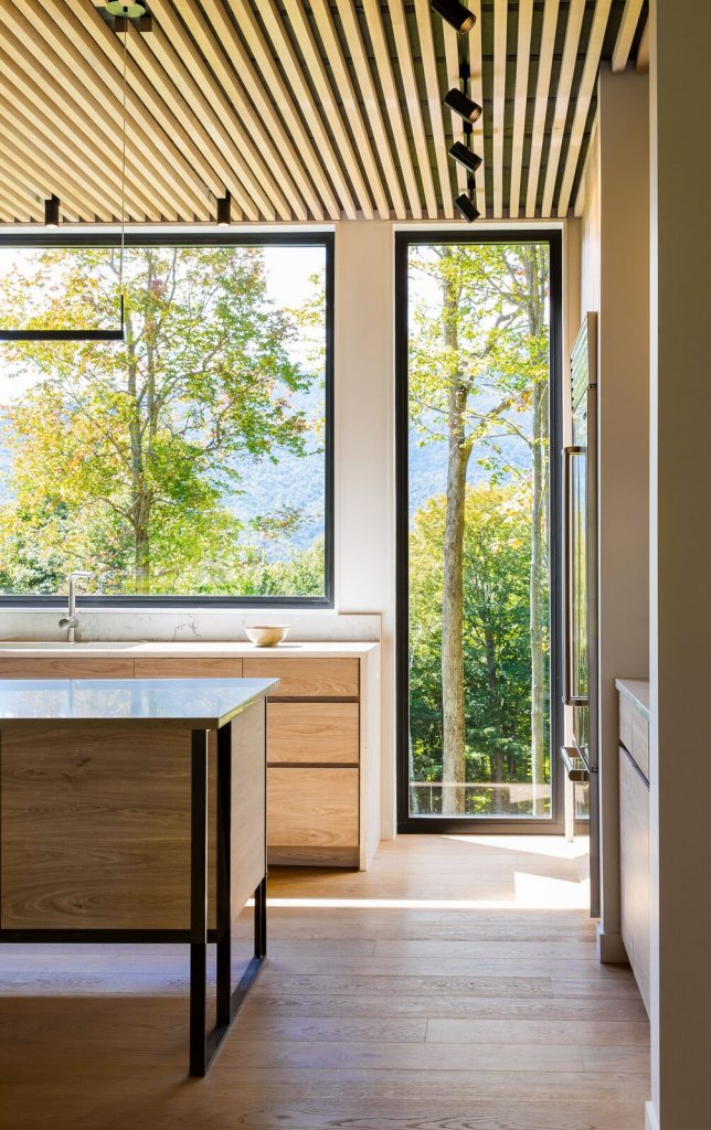 modern farmhouse kitchen idea