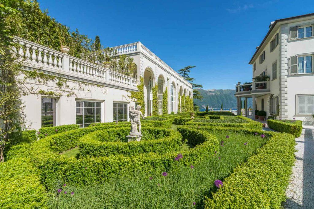 Italian garden hedges