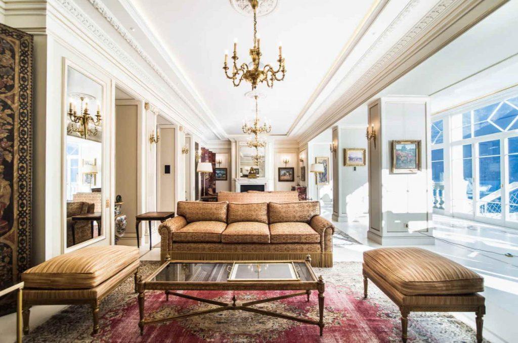 italian baroque living room