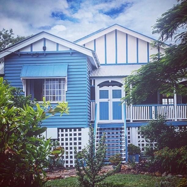 Dulux Sea Drifter house paint