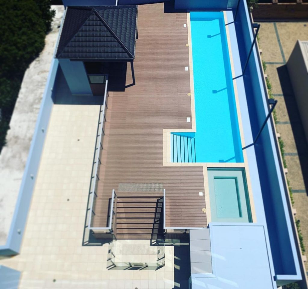 perimeter wall and walkway of this pool area. Colour Dulux Sell Out